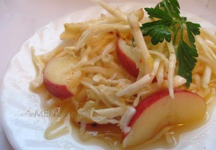 Салат из корня сельдерея (рецепт с яблоком и капустой)